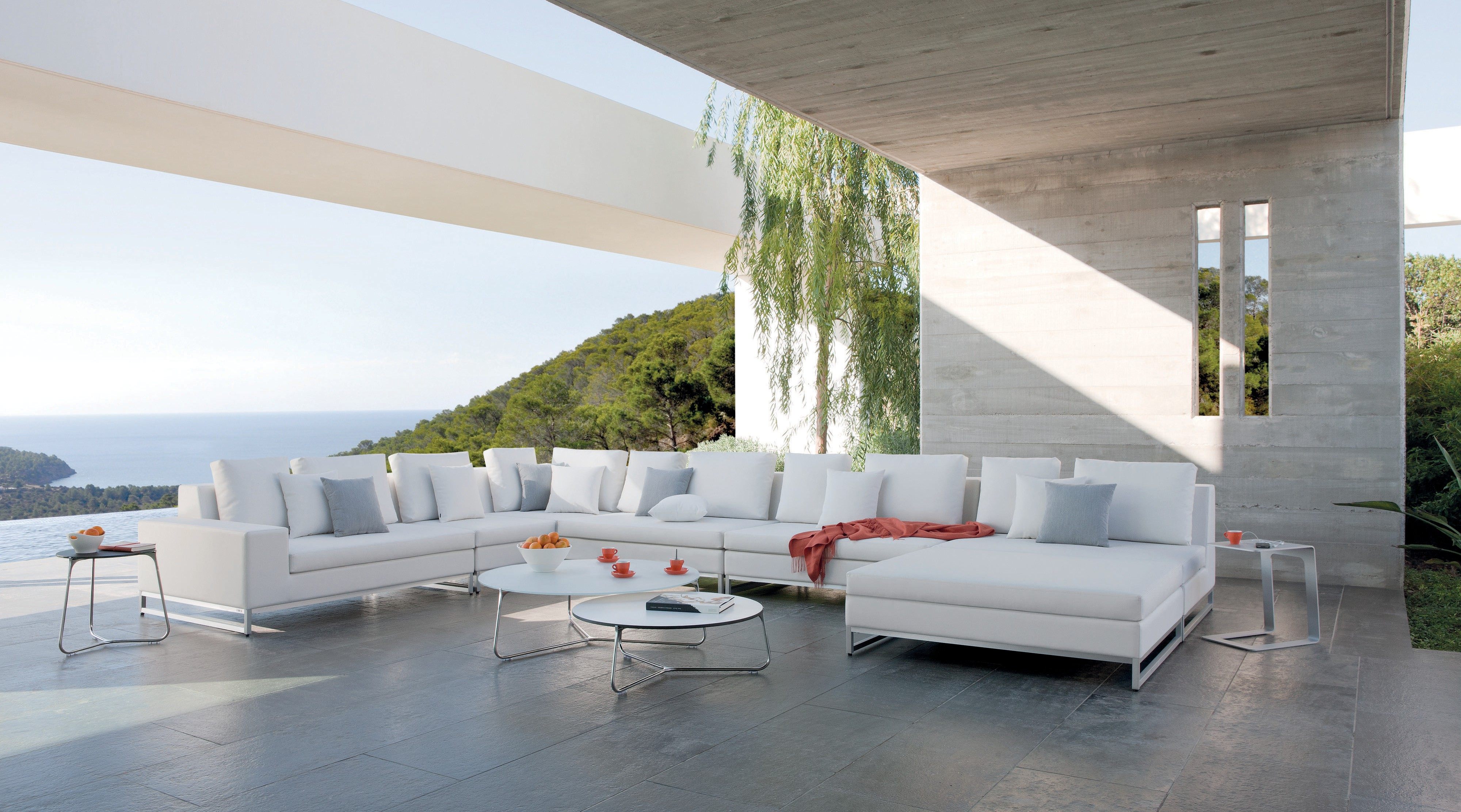 Its Summer And The Outdoor Living Is Easy At Miromar Design